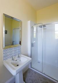Molenick Bathroom